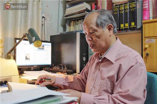 PGS.TS Bùi Hiền nói về phần 2 cải tiến tiếng Việt: Kuộk sốw gồm kí tự k (cờ) và w (ngờ), ghép lại vẫn đọc là cuộc sống thôi! - Ảnh 7.