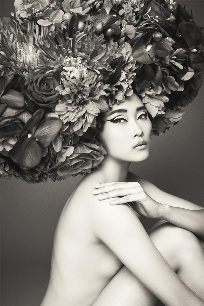 Hà Tăng vai trần, Kỳ Duyên cùng loạt mỹ nhân Việt khác trút bỏ xiêm y trong bộ ảnh của NTK Đỗ Mạnh Cường - Ảnh 23.