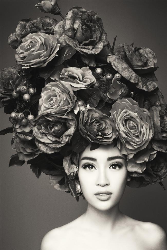 Hà Tăng vai trần, Kỳ Duyên cùng loạt mỹ nhân Việt khác trút bỏ xiêm y trong bộ ảnh của NTK Đỗ Mạnh Cường - Ảnh 7.