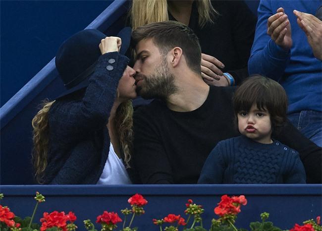 Beckham từ thiện giả tạo, đám cưới Messi và những chuyện hậu trường ồn ào năm 2017 - Ảnh 7.