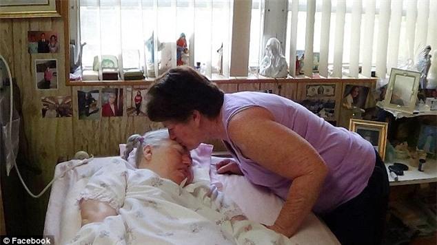 """""""Mẹ ơi đừng bỏ con"""" - lời khẩn cầu của con gái trong phòng cấp cứu và sự kiên trì của người mẹ gần 4 thập kỉ - Ảnh 9."""