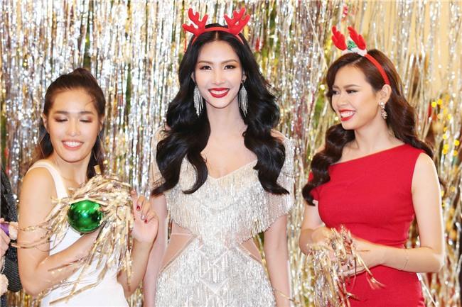 Hoàng Thùy mặt trắng bệch, ngày càng bánh bèo tại Hoa hậu Hoàn vũ VN - Ảnh 4.