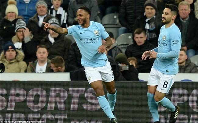 Man City nối dài chuỗi thắng, bỏ xa Man Utd 15 điểm - Ảnh 4.