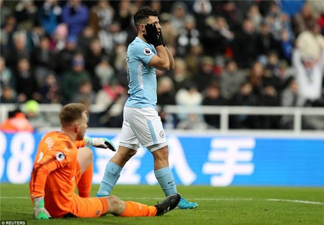 Man City nối dài chuỗi thắng, bỏ xa Man Utd 15 điểm - Ảnh 7.