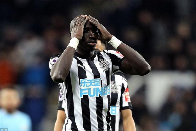 Man City nối dài chuỗi thắng, bỏ xa Man Utd 15 điểm - Ảnh 8.
