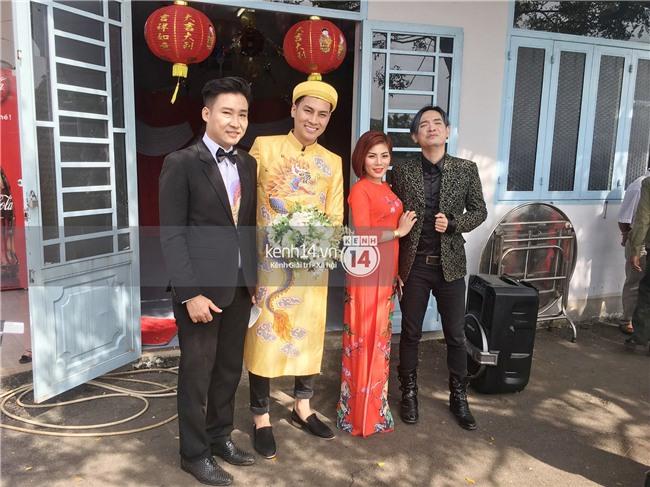 Cô dâu Lâm Khánh Chi diện áo dài long phụng quét đất về nhà chồng - Ảnh 8.