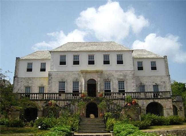 Câu chuyện nữ chủ nhân biệt thự nổi tiếng nhất Jamaica: Phóng đãng, hại chết 3 người chồng rồi nhận kết cục bi thảm - Ảnh 2.