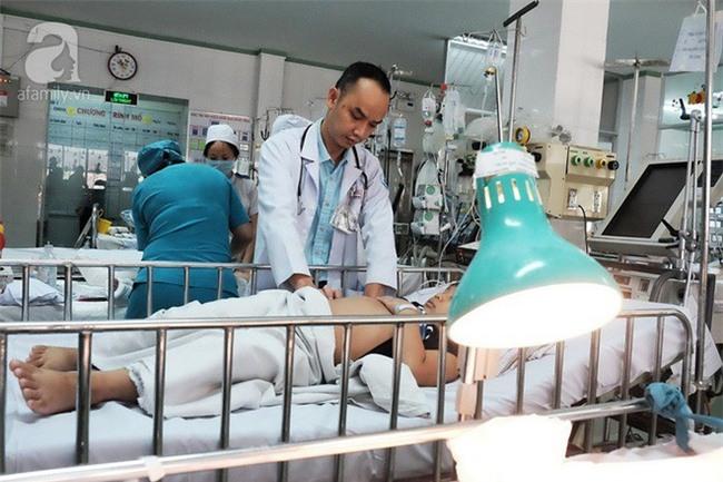 Nuốt đèn led cả năm trời nhưng cha mẹ không biết, bé trai 6 tuổi phải cắt bỏ thùy phổi bên phải - Ảnh 5.