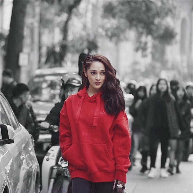 Chỉ diện áo phông đơn giản thôi mà Kỳ Duyên cũng đẹp xuất thần trong street style tuần này - Ảnh 8.