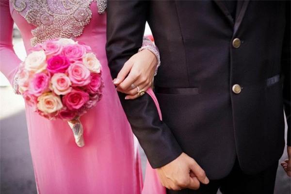 Cô dâu kể chuyện đám cưới do bố mẹ ruột lo, nhà trai tổ chức ké còn xin lại tiền mừng khiến chị em sôi máu - Ảnh 2.