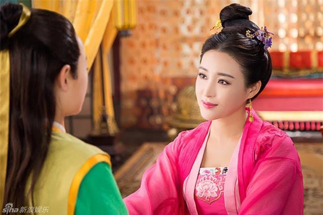 Cuộc đời ngang trái của Hoàng hậu bị chị gái từ mặt vì dan díu với anh rể, sau sa cơ phải hầu hạ bạo chúa - Ảnh 5.