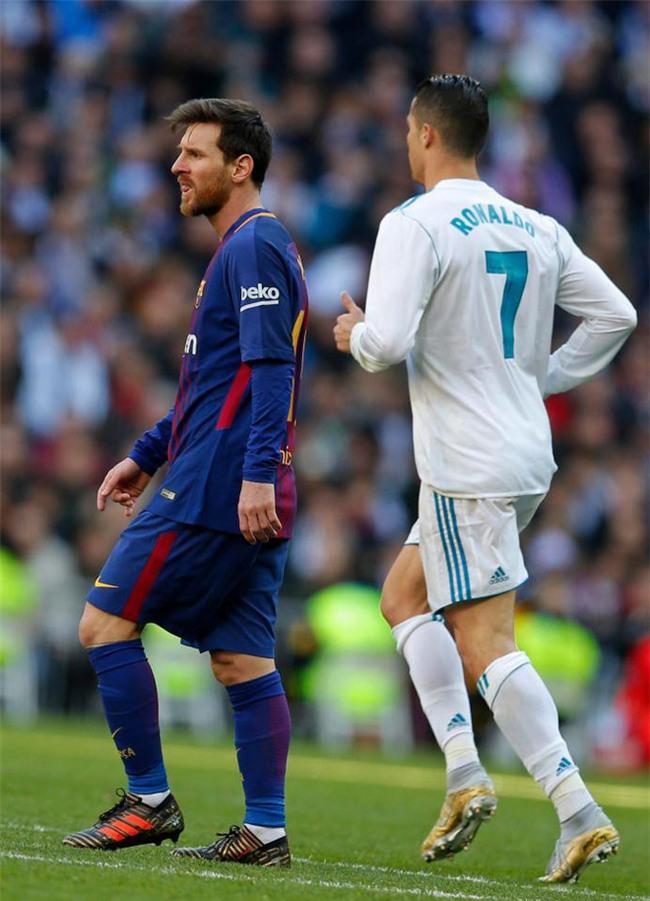 Ronaldo: Tôi không xứng giành Quả bóng vàng, Messi mới là người xuất sắc nhất? - Ảnh 2.