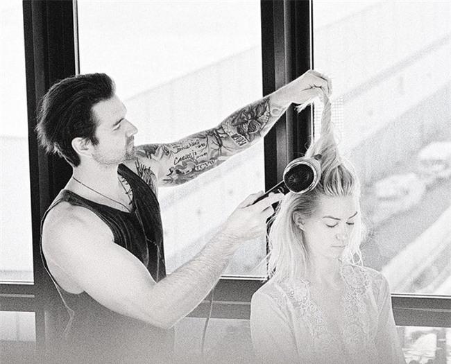 Chồng mỗi ngày dậy sớm làm tóc cho vợ, lý do thật sự của cặp đôi này làm cho ai cũng phải gật gù thán phục - Ảnh 3.
