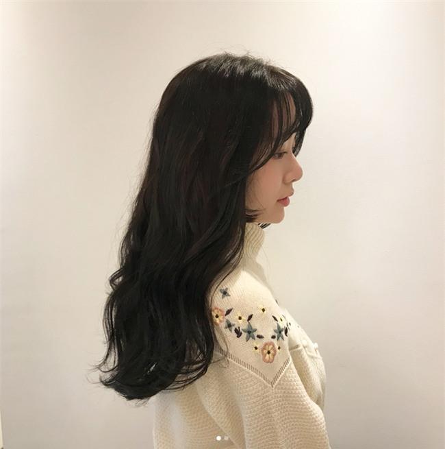 Gợi ý kiểu tóc và phong cách trang điểm không mất nhiều thời gian cho dịp đi chơi đón năm mới - Ảnh 10.