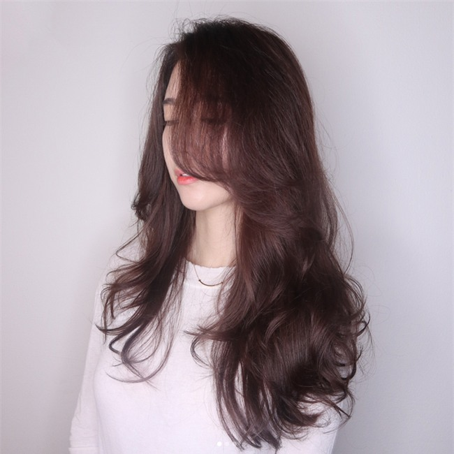 Gợi ý kiểu tóc và phong cách trang điểm không mất nhiều thời gian cho dịp đi chơi đón năm mới - Ảnh 4.