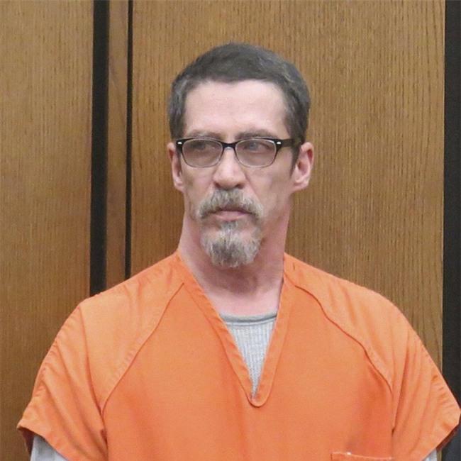 Bị bắt cóc suốt 13 năm, biết được lý do, chàng trai cầu xin tòa án tha cho người bắt cóc mình - Ảnh 4.