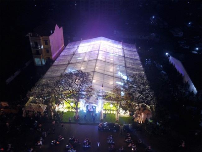 5 đám cưới nức tiếng vì độ xa hoa trong năm 2017: dựng rạp mấy ngàn mét vuông, trang trí 6-7 tỷ đồng - Ảnh 1.