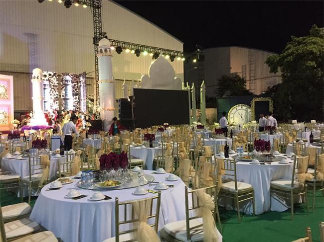 5 đám cưới nức tiếng vì độ xa hoa trong năm 2017: dựng rạp mấy ngàn mét vuông, trang trí 6-7 tỷ đồng - Ảnh 10.
