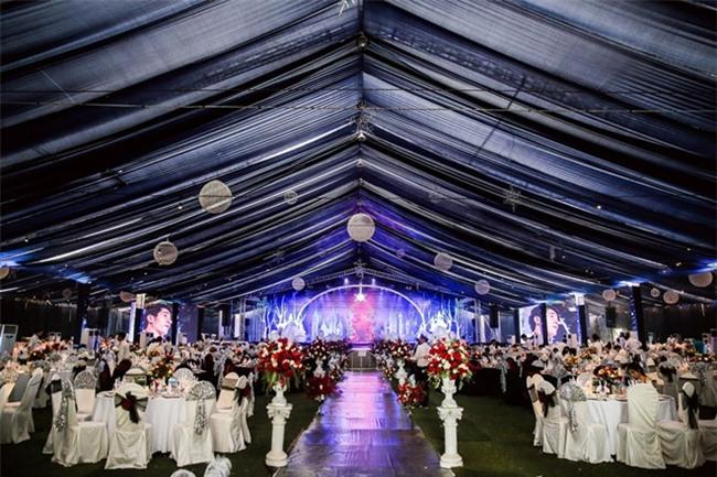 5 đám cưới nức tiếng vì độ xa hoa trong năm 2017: dựng rạp mấy ngàn mét vuông, trang trí 6-7 tỷ đồng - Ảnh 16.