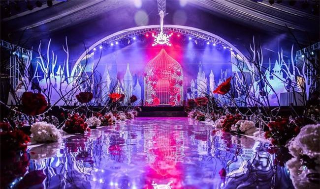 5 đám cưới nức tiếng vì độ xa hoa trong năm 2017: dựng rạp mấy ngàn mét vuông, trang trí 6-7 tỷ đồng - Ảnh 18.