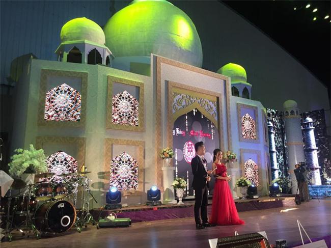 5 đám cưới nức tiếng vì độ xa hoa trong năm 2017: dựng rạp mấy ngàn mét vuông, trang trí 6-7 tỷ đồng - Ảnh 9.