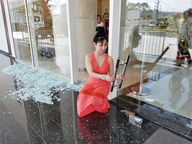Diễn viên Uyên Thảo suýt gặp nạn khi cửa kính khách sạn bất ngờ phát nổ-1