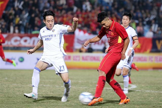 U23 Việt Nam sẽ chơi với sơ đồ 3-4-3 tại VCK U23 châu Á 2018? (ảnh: Gia Hưng)
