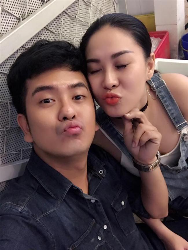 Sau khi ly hôn, Hùng Thuận Đất phương Nam công khai bạn gái mới xinh đẹp - Ảnh 2.
