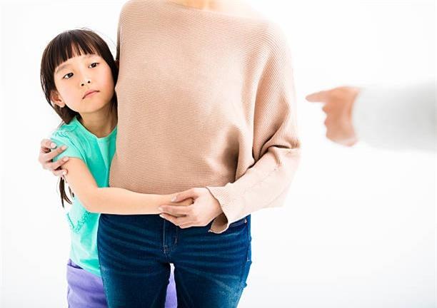 5 cách tích cực giúp ngăn chặn các cơn cáu giận bất thình lình của trẻ - Ảnh 2.