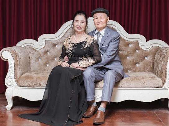 Ông bà anh 50 năm vẫn nắm tay tình tứ khiến cộng đồng mạng xuýt xoa ngưỡng mộ - Ảnh 3.