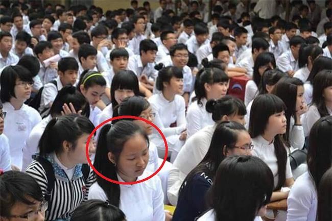Cô gái dậy thì thành công đến nỗi đi họp lớp phải mang ảnh cũ để bạn bè nhận ra! - Ảnh 4.