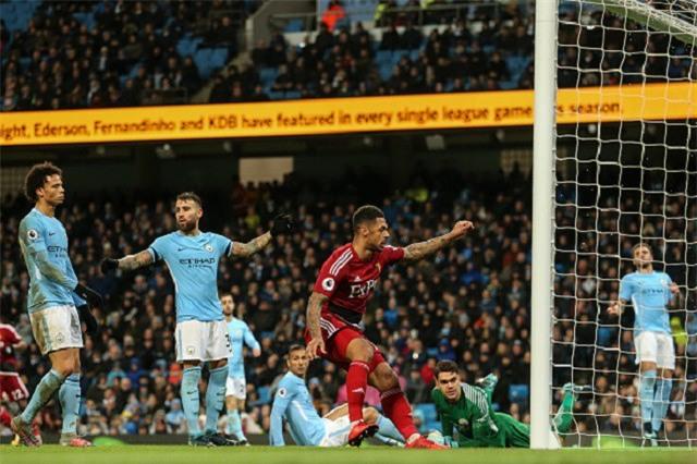 Sterling ghi bàn sau 39 giây, Man City lại hơn Man Utd 15 điểm - Ảnh 12.