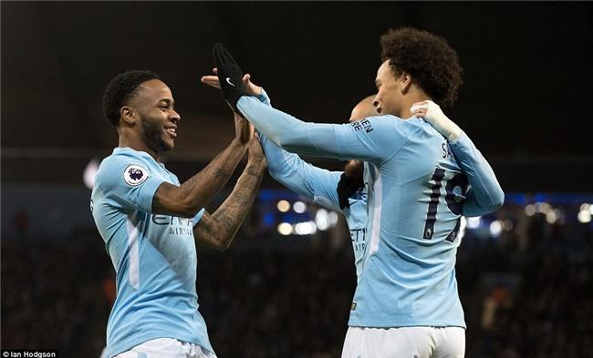 Sterling ghi bàn sau 39 giây, Man City lại hơn Man Utd 15 điểm - Ảnh 5.