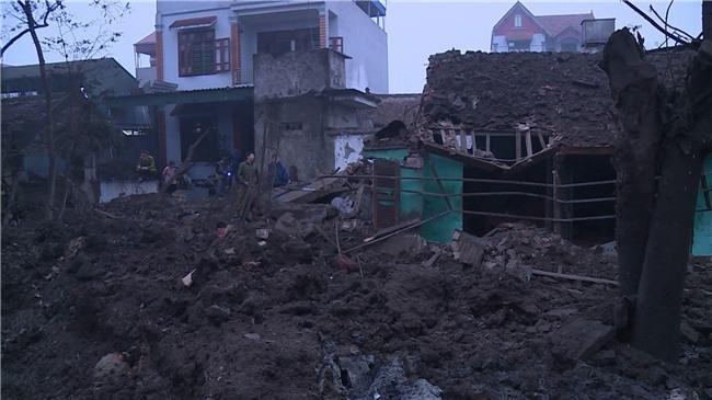 Nổ kinh hoàng ở Bắc Ninh lúc rạng sáng khiến 2 cháu bé tử vong, nhiều ngôi nhà bị san phẳng - Ảnh 10.
