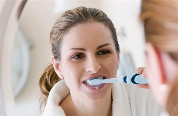 Sau khi ngủ dậy nên uống nước hay đánh răng trước: Đơn giản nhưng ít người trả lời đúng-3