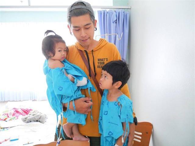 lam du tro de con vui, ong bo dien trai thai lan duoc dan mang khen nuc no - 1