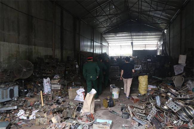 Nhân chứng vụ nổ khiến 9 người thương vong ở Bắc Ninh: Sau tiếng nổ vang trời, hàng loạt viên đạn văng khắp xóm - Ảnh 1.