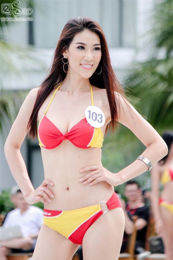 Thí sinh Hoa hậu Hoàn vũ khoe đường cong rực lửa với bikini gợi cảm-11