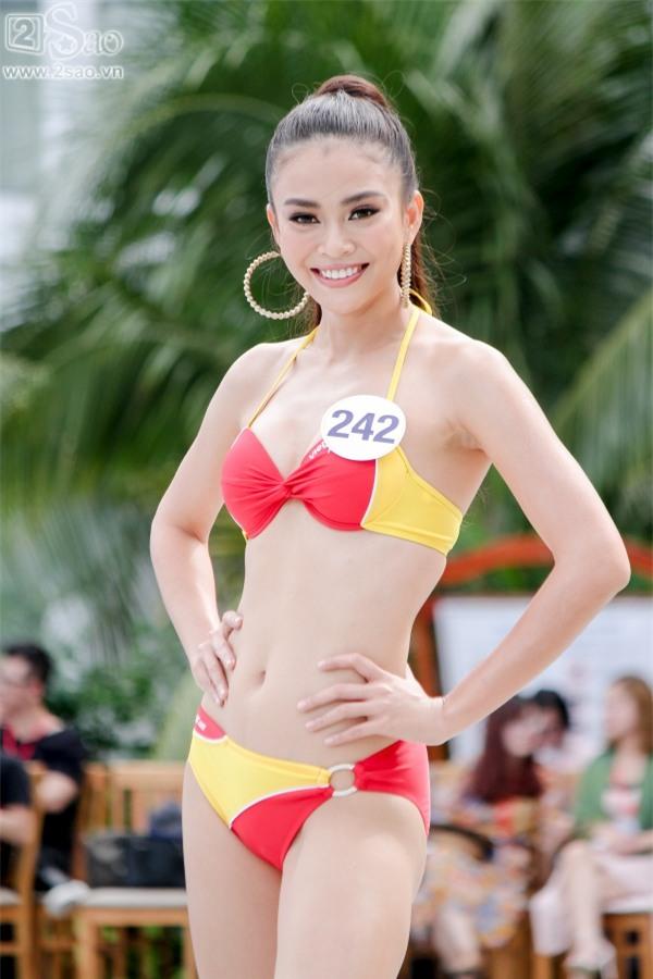 Thí sinh Hoa hậu Hoàn vũ khoe đường cong rực lửa với bikini gợi cảm-2