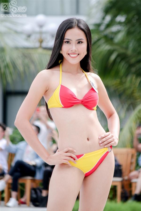 Thí sinh Hoa hậu Hoàn vũ khoe đường cong rực lửa với bikini gợi cảm-3