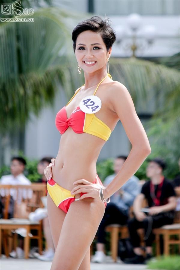 Thí sinh Hoa hậu Hoàn vũ khoe đường cong rực lửa với bikini gợi cảm-5