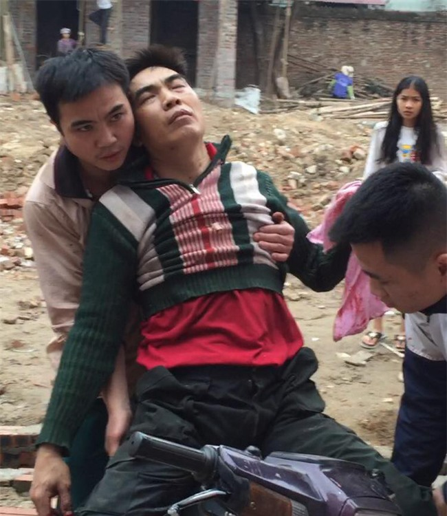 Người đàn ông bị nổ nát bàn tay khi nhặt vỏ đạn sau vụ nổ kinh hoàng ở Bắc Ninh - Ảnh 1.