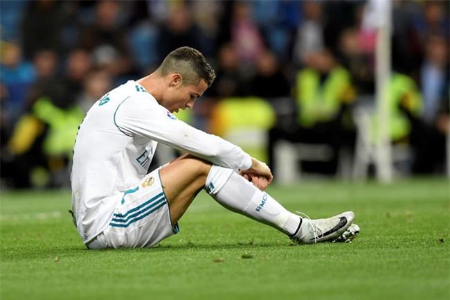 Real lai day song vi Ronaldo hinh anh 3