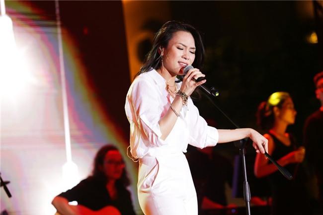 Những lần ca sĩ bị tố hét giá cát-xê gây nhiều tranh cãi của làng nhạc Việt - Ảnh 2.