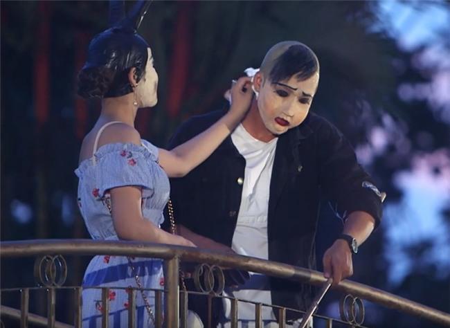 Nữ ca sĩ bật khóc từ chối chàng trai bởi lời thề không yêu người làm nghệ thuật-8