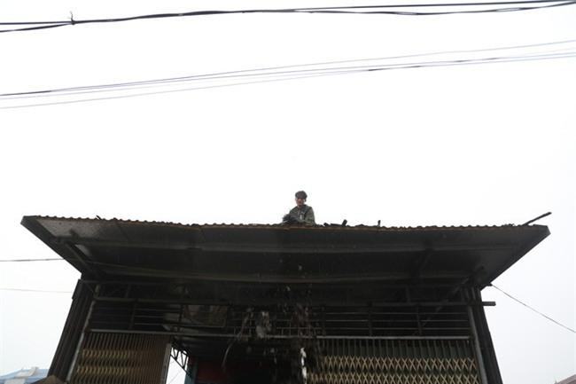 Vụ nổ ở Bắc Ninh: Sáng nay, công binh đã thu gom hơn 1 tấn đạn - Ảnh 9.