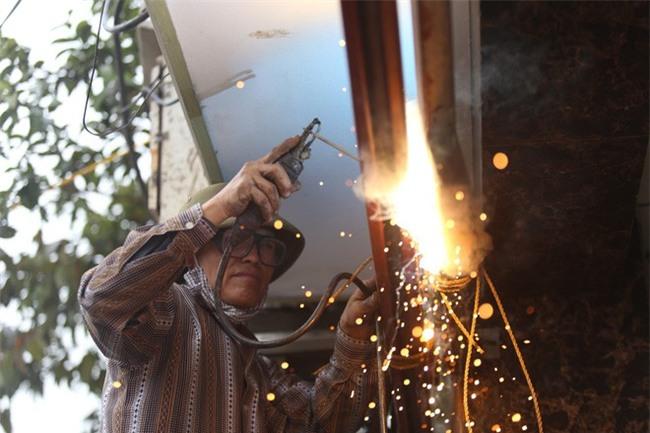 Vụ nổ ở Bắc Ninh: Sáng nay, công binh đã thu gom hơn 1 tấn đạn - Ảnh 5.