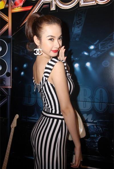 Angela Phương Trinh: Hành trình biến hình trở thành mỹ nhân siêu vòng 3 cực nóng bỏng của Vbiz - Ảnh 3.