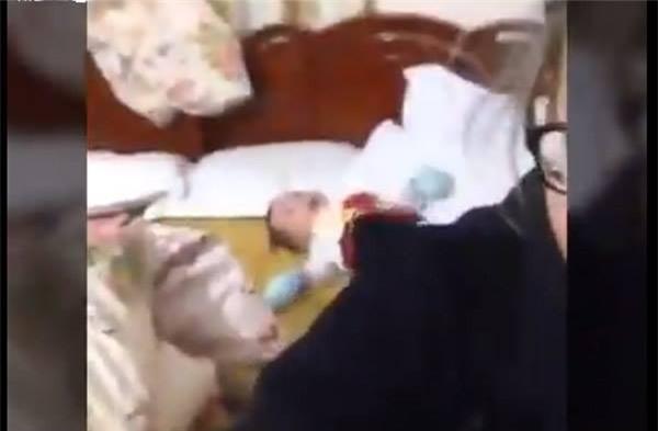 Vụ hotgirl Bella hoang tưởng chửi bới con trai 6 tháng: Đã đủ cơ sở để tách đứa bé ra khỏi mẹ? - Ảnh 2.