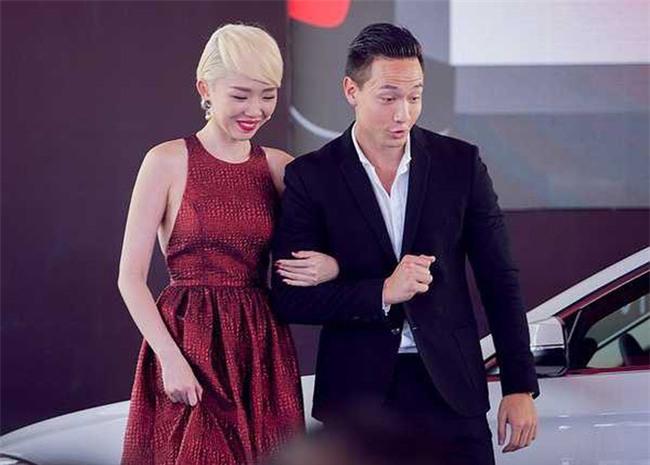 Kim Lý sau khi yêu Hà Hồ: Chẳng đứng gần chụp ảnh cùng bất cứ mỹ nhân Vbiz nào, chỉ sát cánh bên hai mẹ con Subeo - Ảnh 3.